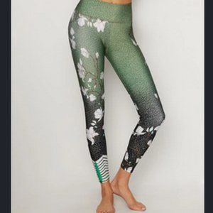 Onzie Green Floral Graphic Midi Leggings XL EUC